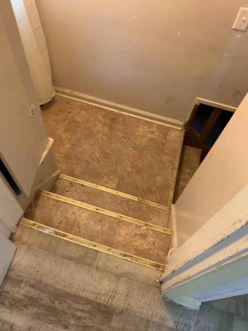 landing-stairs-basement-lament-tile-Detroit-MI