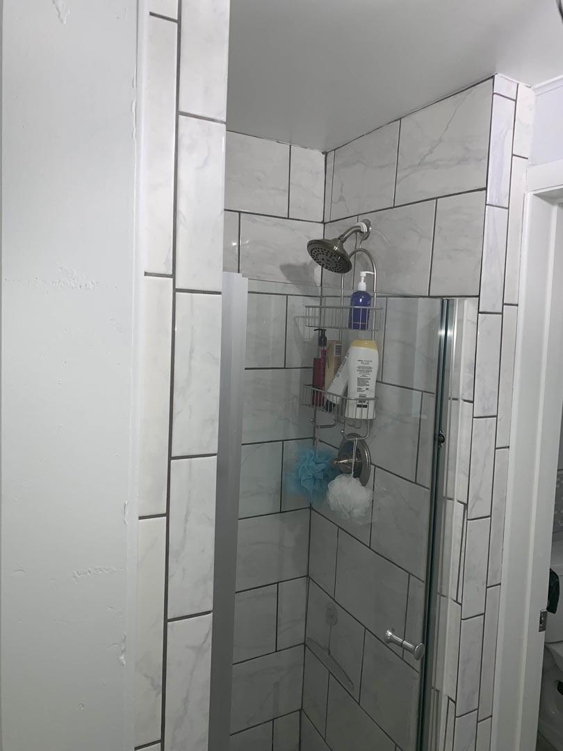 shower-restored-bathroom-Detroit-MI