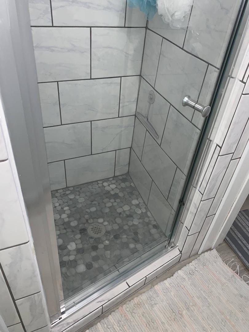 makeover-bathroom-restored-Detroit-MI