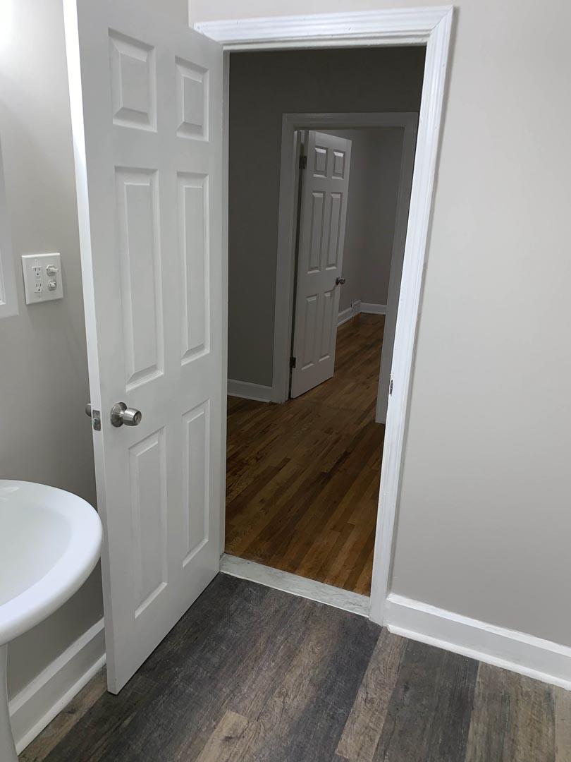beautiful-bathroom-wood-floors-Detroit-Mi
