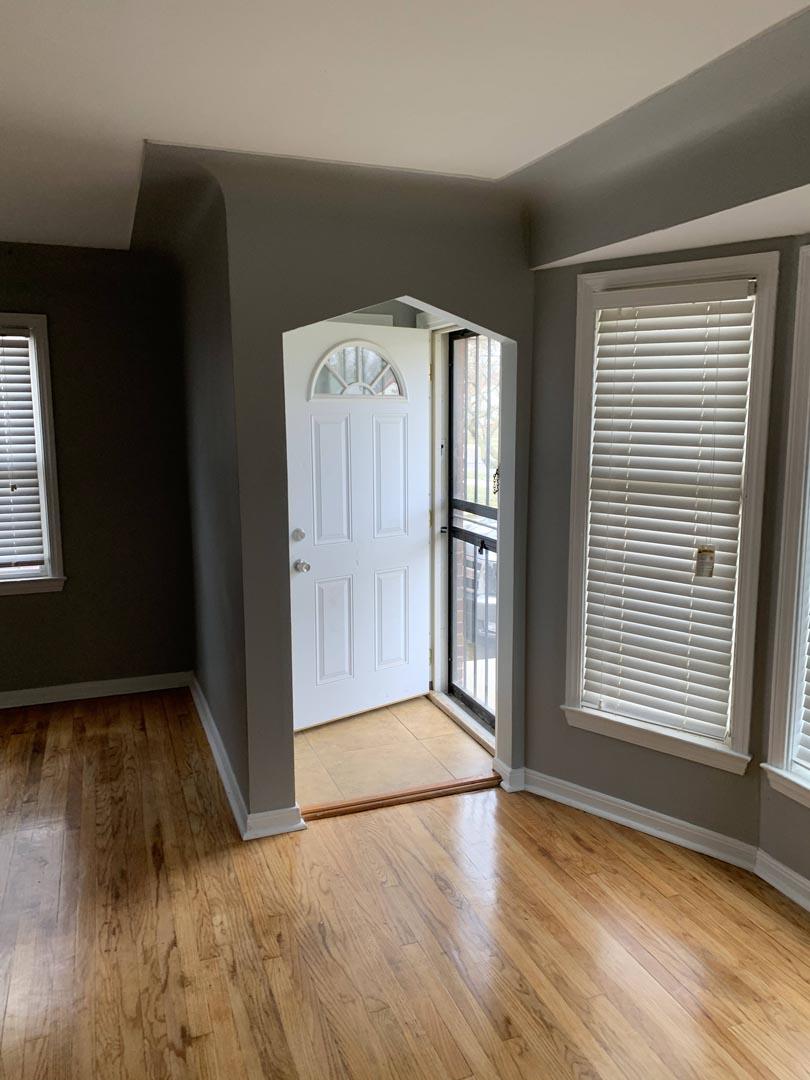 front-door-living-room-clean-Detroit-MI