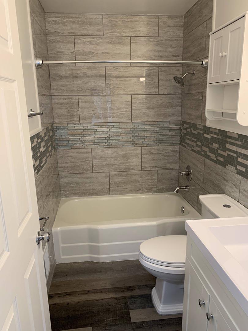 shower-tub-bathroom-remodel