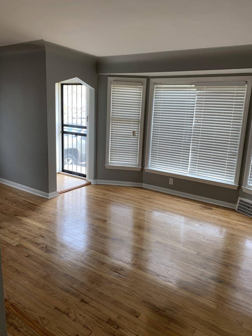 baywindow-livingroom-renovation