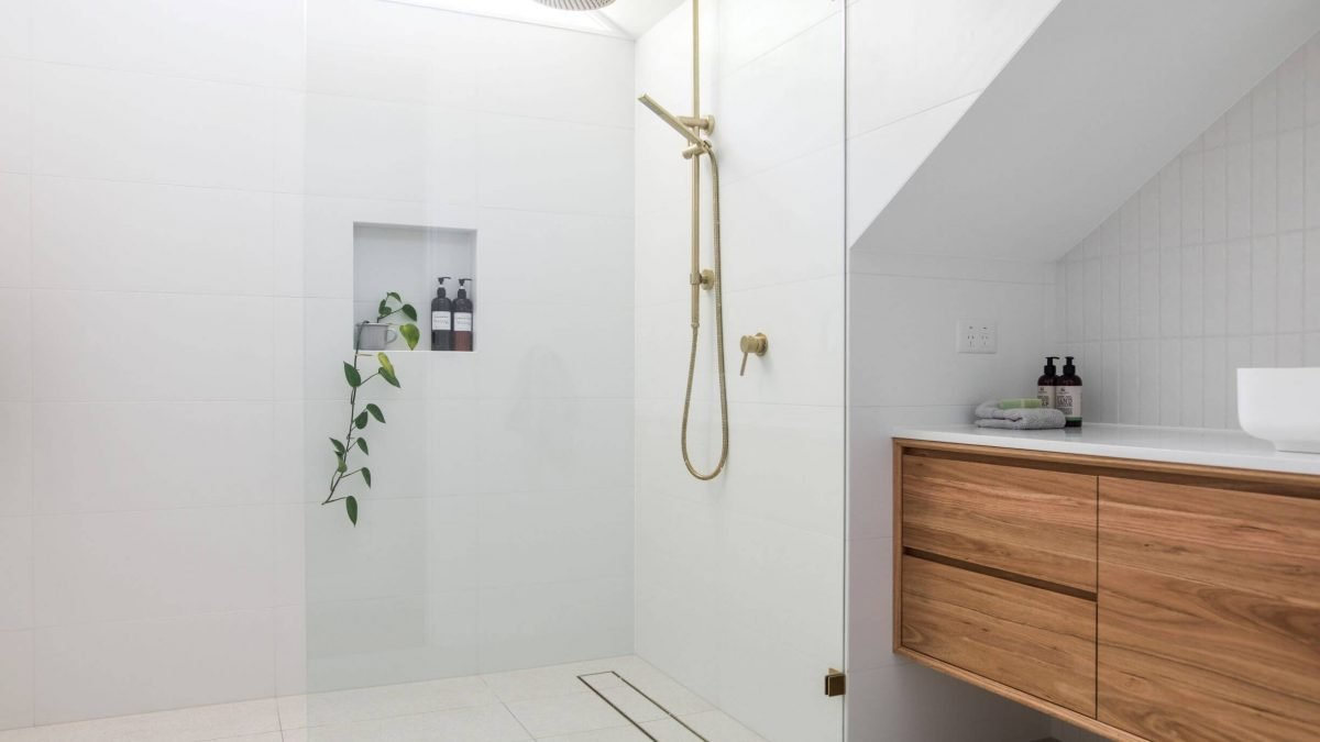 Do a quick bathroom renovation this spring with the help of S&S Property Preservation in Detroit, MI.